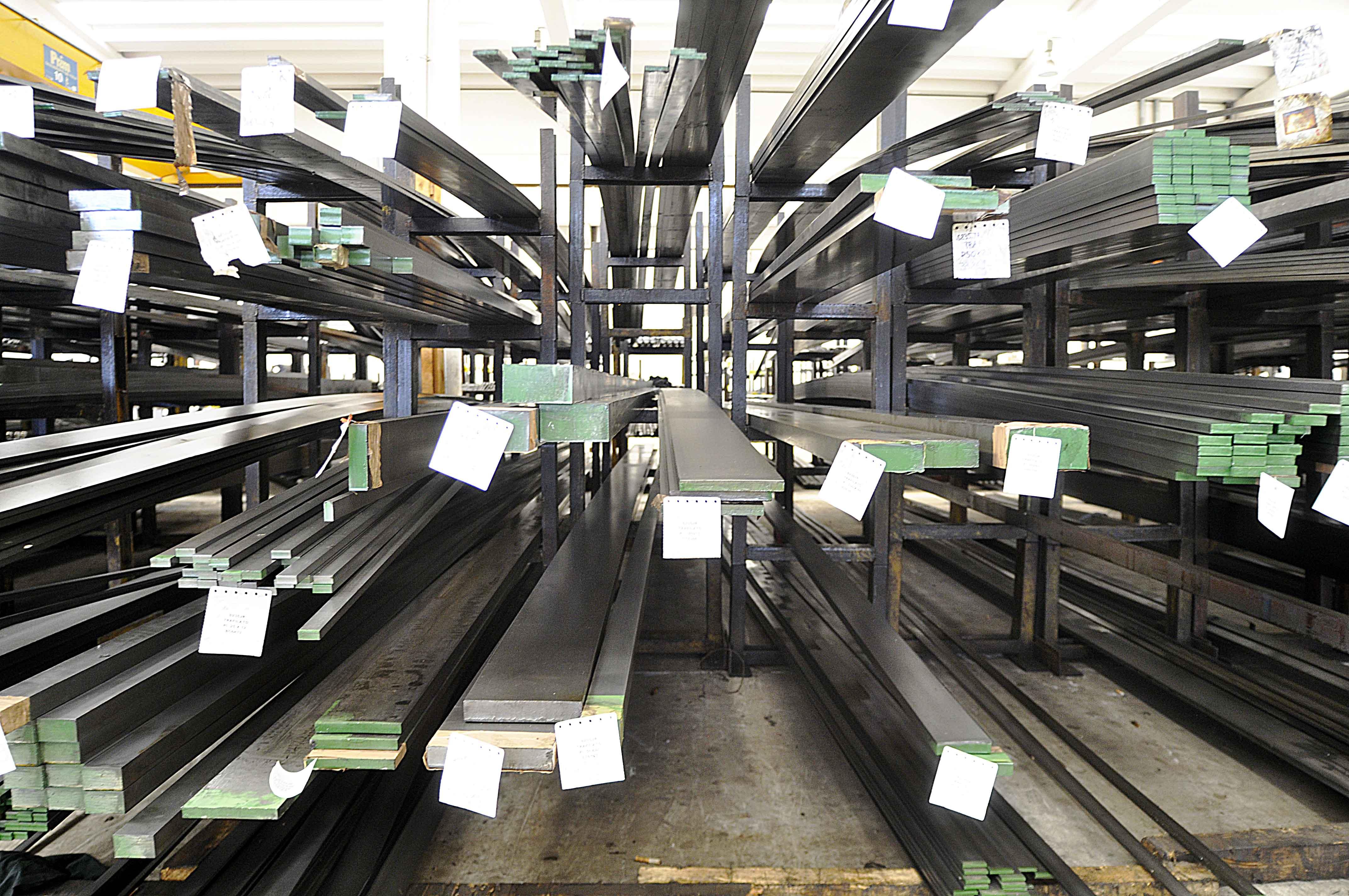 tagli-acciai-interno-centro-siderurgico-6