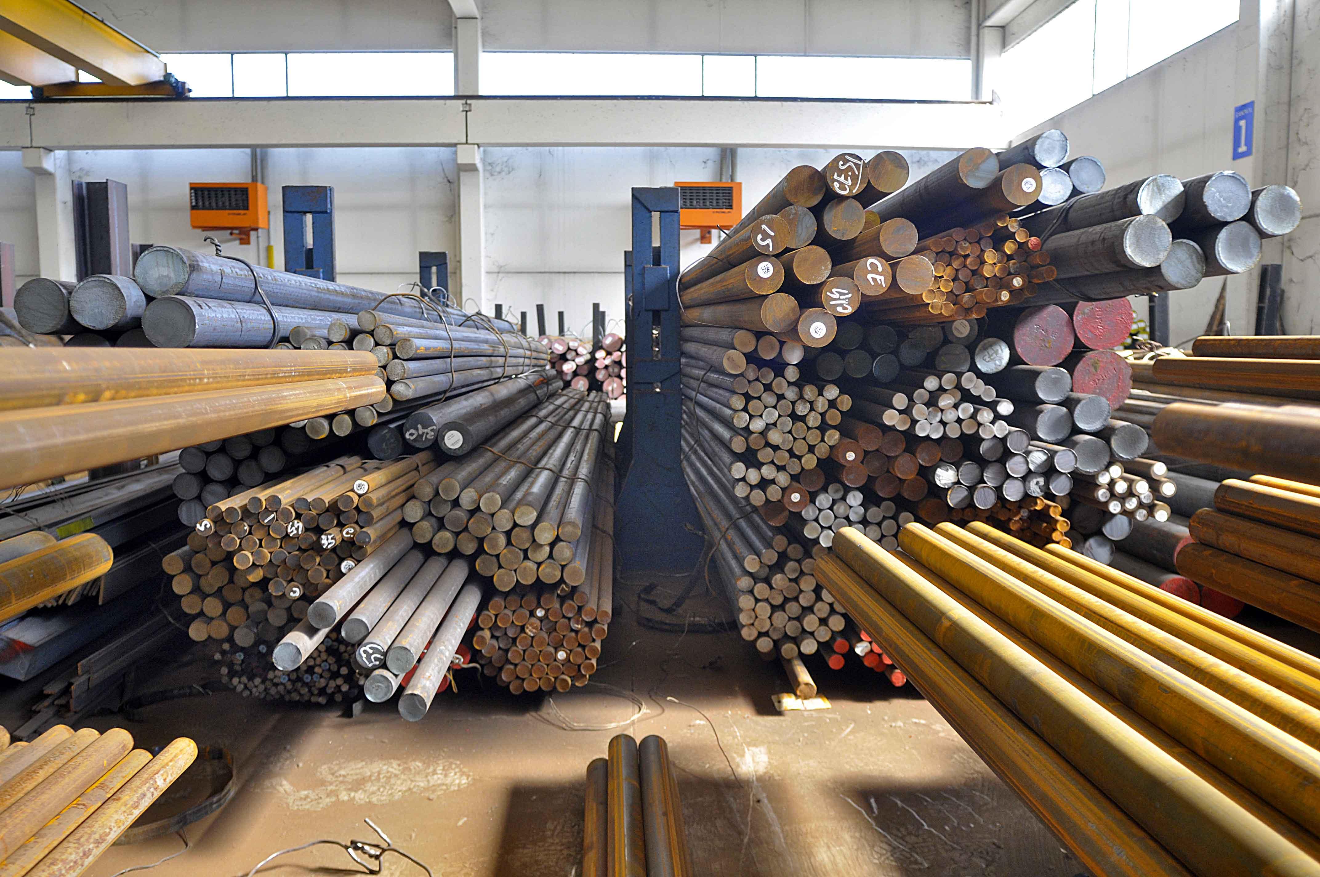 tagli-acciai-interno-centro-siderurgico-1
